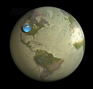 Ball containing all of Earth's water compared with the planet (credit: Jack Cook/WHOI/USGS)