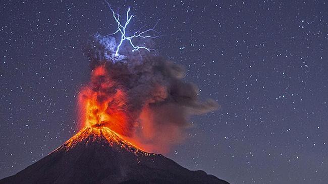 volcano_lightning_stars